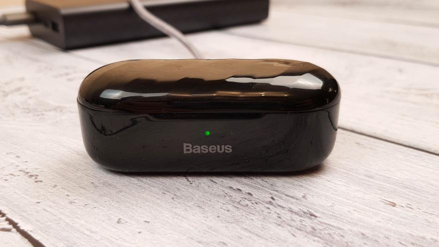 AliExpress: TWS-наушники Baseus W07: городская классика
