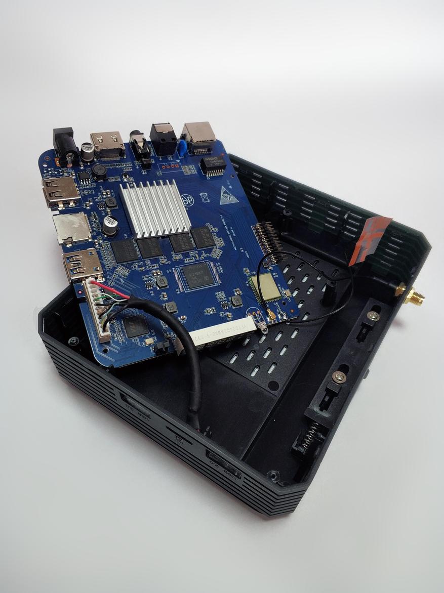صندوق التلفزيون Magicsee N5 Plus: أملوجيك S905X3 ، خليج SSD / HDD ، MIMO 2 × 2 21