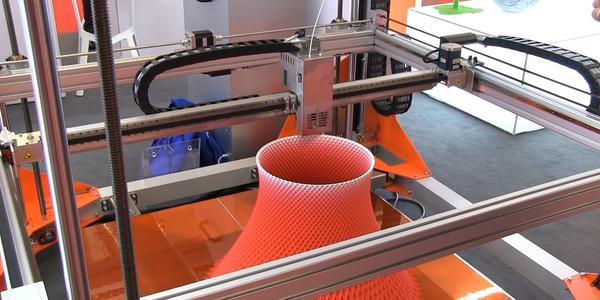Как 3D-печать меняет мир. Глава из книги «3D Printing» Кристофера Барнатта (перевод) / 3D-принтеры, станки и аксессуары / iXBT Live